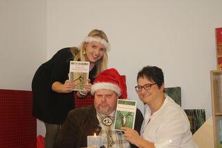 Corinna Steinacher (Stadtbüchere), Armin und Alexandra Bleyer mit den bisherigen Krimis