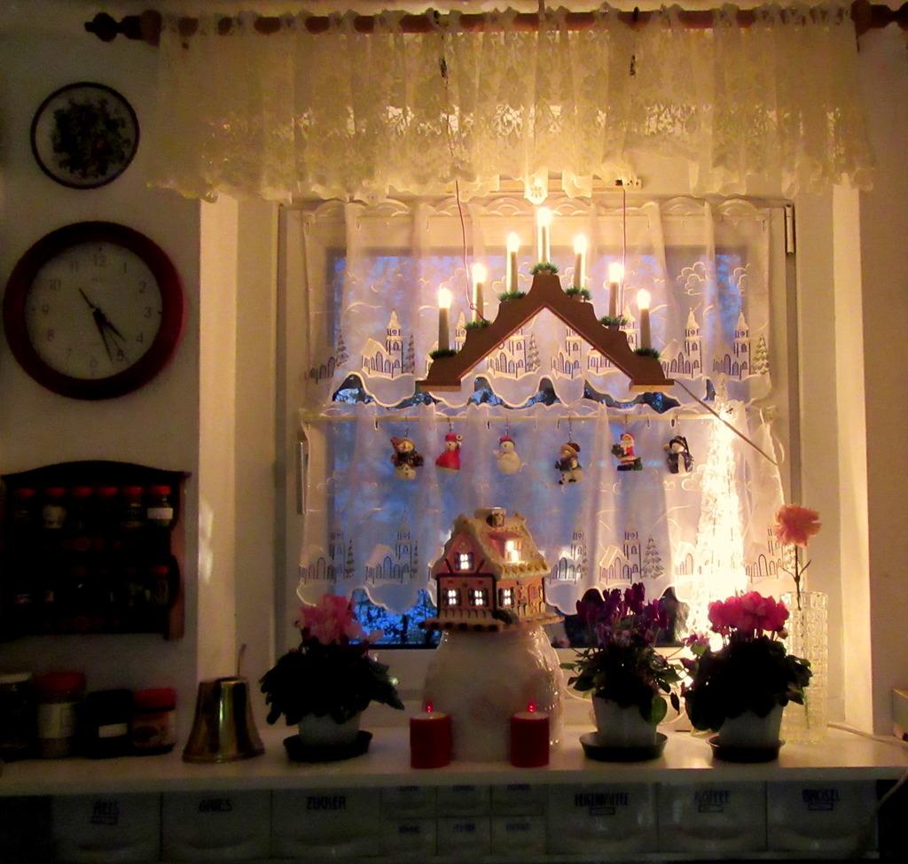 Weihnachtsbeleuchtung Dachfenster.Fenster Mit Weihnachtsbeleuchtung Favoriten