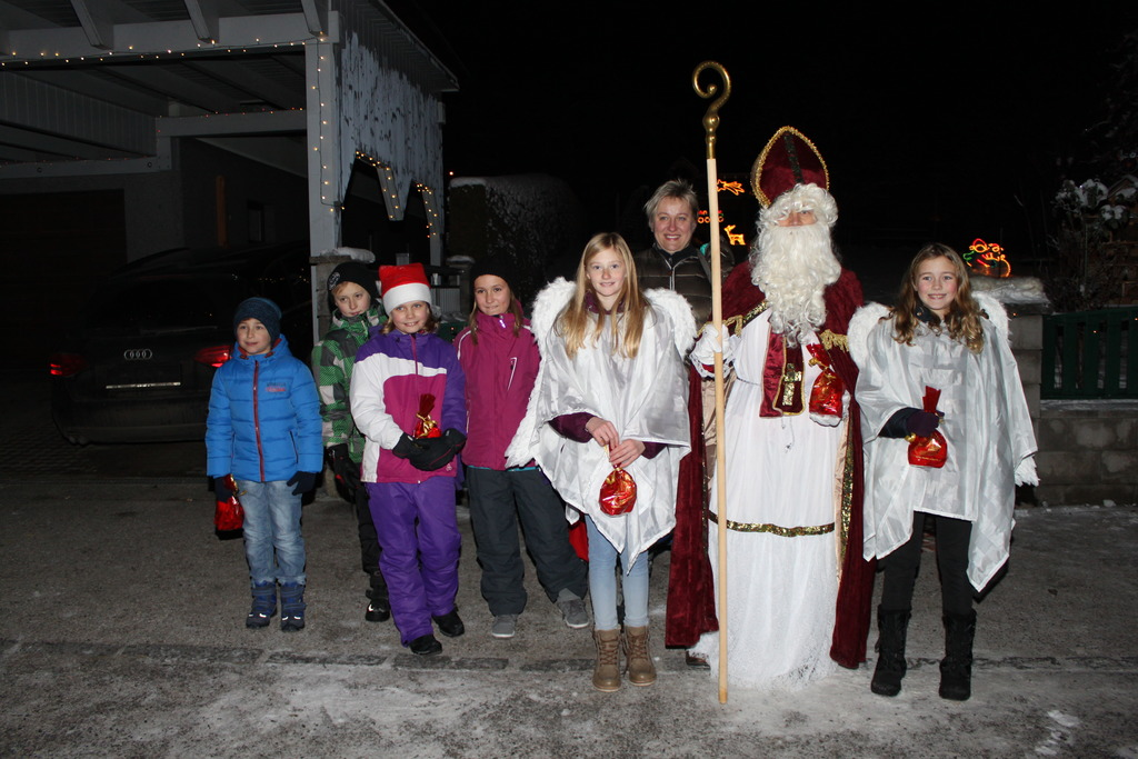 Außergewöhnliche Weihnachtsbeleuchtung.Der Nikolaus Besuchte Pfaffenschlag Waidhofen Thaya