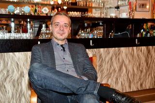 Beim bz-Interview im Stadtsaal: Kabarettist Thomas Maurer sieht der Premiere am 14. Dezember entspannt entgegen.