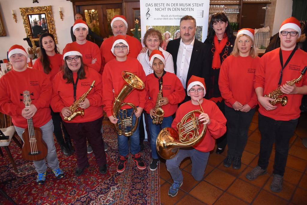 Musiker der Sonderschule Langenstein bei Rotary Club Perg.
