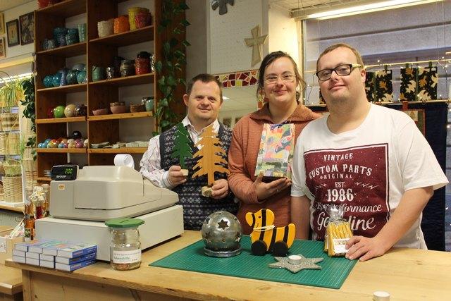 Verkäufer im Lebenshilfe Aktiv-Shop: Hannes Breuer, Katharina Zoister und Christian Leonhardsberger.