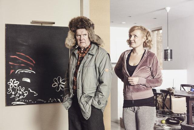 Generationenkonflikt: der Alte (Antti Litja) und seine Schwiegertochter Liisa (Mari Perankoski).