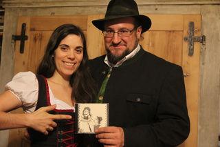 Das Cover der CD und der Kalender wurden von Anna Tauser gestaltet.