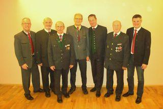 Anton Forstner, Landesgeschäftsführer Benno Schinagl, Obmann Walter Haslehner, Alfred Reingruber, Bürgermeister Helmut Templ, Bezirksobmann Johann Mayr, Vorstand Harald Maier (Raika St. Marien).