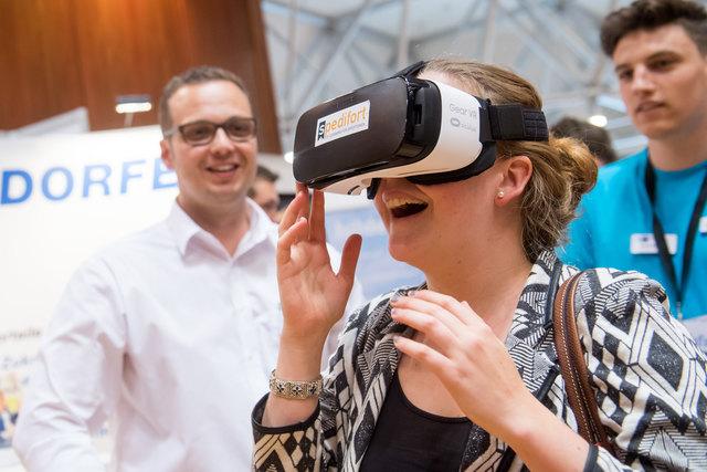 """Begeisterung für das Konzept herrschte auch bei Besuchern der Ausbildungsmesse """"IHK jobfit!"""", die am 20. Mai in Rosenheim stattfand."""