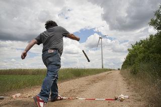 Windradschrauben wiegen 4 kg und sind 42 cm lang.