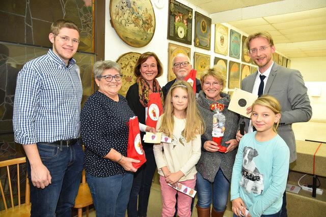 Christian Stiastny, Karl und Ernestine Cachee, GR BR Angela Stöckl-Wolkerstorfer, StR Maria Wieser, GR Mag. Gottfried Forsthuber mit Livia und Nina.