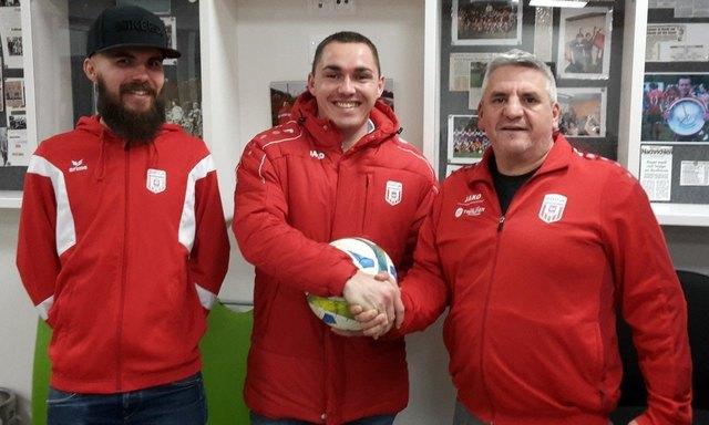 Der alte und neue Co-Trainer Klaus Deinhofer, der neue Coach Christoph Schimpl und Sektionsleiter Anton Gattringer