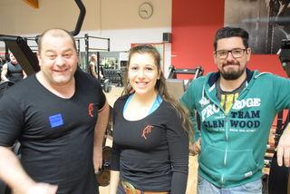 Weltmeister Jogl Krebs, Fitnesstrainerin Lisa Kasper und Bezirksblätter-Redakteur Peter Zellinger.