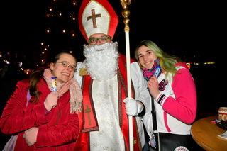 Beliebtes Fotomotiv im Alten AKH: Der bz-Nikolaus war am 6. Dezember zu Gast.