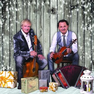 """Mario & Christoph freuen sich auf """"Weihnacht in den Bergen"""" in Inzing und in St. Jodok."""
