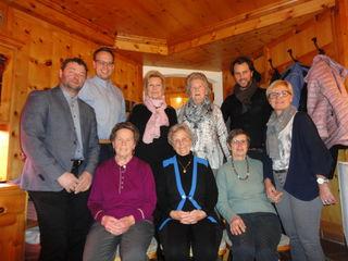 Das Gruppenfoto der anwesenden Jubilarinnen mit den GratulantInnen.