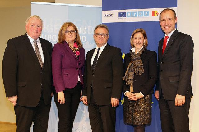 Hochkartige EU-Diskussion: Karl-Heinz Lambertz, Marlies Stubits-Weidinger, Hans Niessl, Elisabeth Kornfeind und Jörg Wojahn