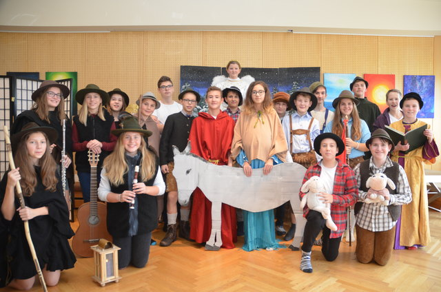 """Das Hirtenspiel der """"Bühnengruppe"""" der NMS Seitenstetten-Biberbach war der Höhepunkt des Nachmittags."""