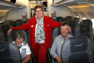 Bestens betreut werden die Teilnehmer bei den Betreuten Reisen des Roten Kreuzes auch im Flugzeug.