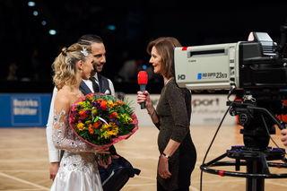 Credit: Regina Courtier - Julia Burghardt & Danilo Campisi mit Gabriela Jahn vom ORFSport+.