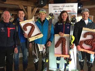 V.l.n.r.: Hubsi Klotz (Obm. USV Ötz),Willi Mareiler (Betriebsleiter Bergbahnen Kühtai), Tobias Erler T Taylor Laurie und Martin Pitterle Martin