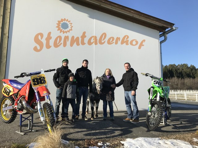 Die Spende von 1.000 Euro wurde nun an den Sterntalerhof übergeben.