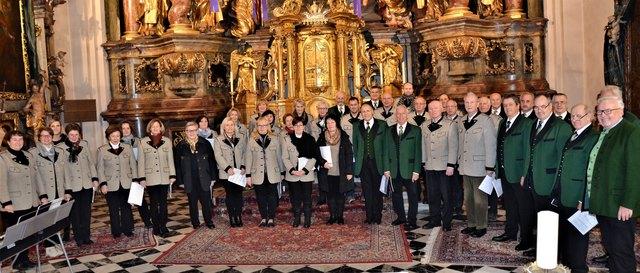 Der Männerchor DKW Voitsberg und der Singkreis Hirschegg boten ein Weihnachtsoratorium dar.