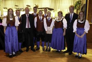 Die Trachtenkapelle Mallnitz sowie Bürgermeister Günther Novak und Bezirkskapellmeister Rudi Truskaller ehrten langjährige Mitglieder