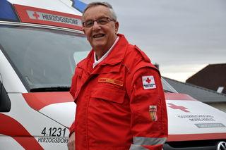 Seit 1984 engagiert sich Gerhard Weindl freiwillig für die Gesellschaft und ist ein gern gesehenes Mitglied der Rotkreuz-Familie.