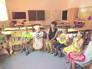 Spendenaktion an der Volksschule Kraubath mit Direktorin Anette Tritscher.