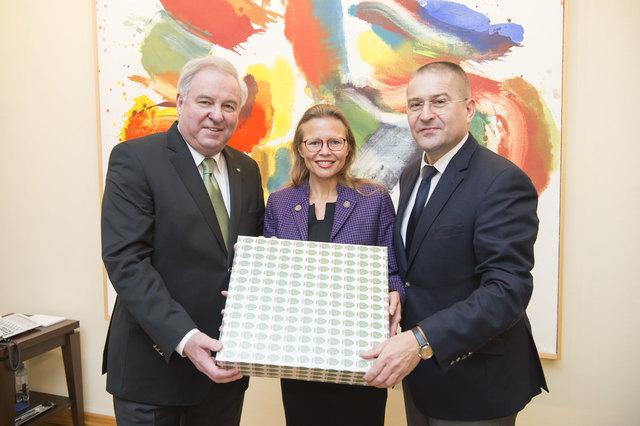 Beatrix Karl feierte am 10. Dezember ihren 50. Geburtstag.