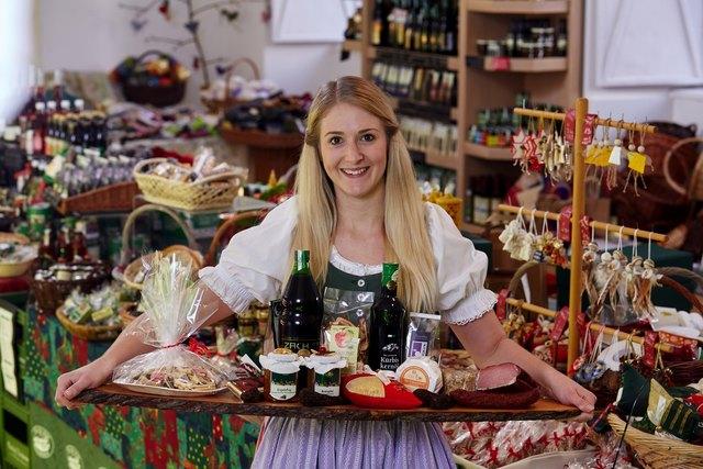 Vom Kletzenbrot bis zu den Weihnachtskeksen: Wer seinen Liebsten regionale Produkte schenken will, ist im Stadtbauernladen richtig.