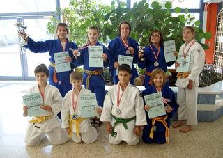 Die erfolgreichen jungen Judosportler des TUS Feldbach, die in den U12- und U14-Bewerben angetreten sind.