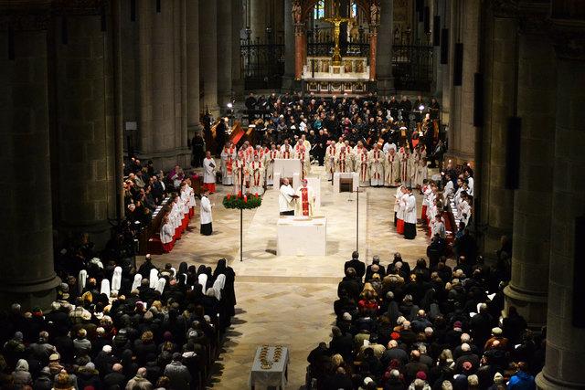 Mehr als 1.000 Gläubige nahmen an dem Festgottesdienst teil.