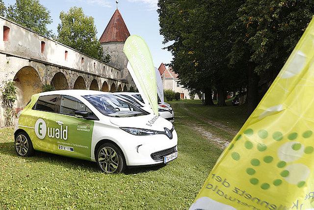 Die Region Elsbeere-Wienerwald möchte die E-Mobilität durch mehr Lademöglichkeiten fördern.