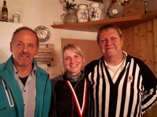 Georg Juffinger, Bezirksmeisterin Christina Gasteiger, Schiedsrichter Josef Fuchs.