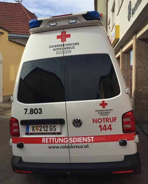 Die beiden verletzten Personen wurden von der Rettung in das Klinikum Klagenfurt gebracht