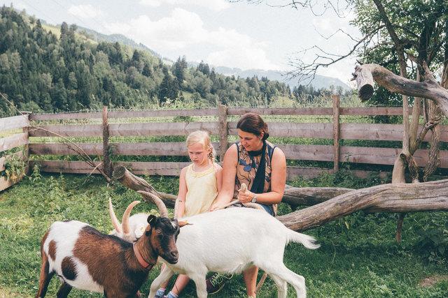 Conny Rohrmoser bringt Kinder und Tiere zusammen.