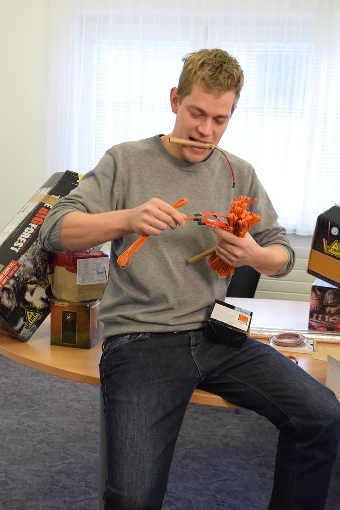 Wolfang Leitner ist Pyrotechnik-Profi und lässt es zu Silvester und auf Hochzeiten gerne krachen.