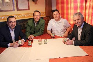 Von links: Franz Ziegelbäck, Klaus Lindinger, Johannes Paul Hochhauser und Bürgermeister Johann Doppelbauer.