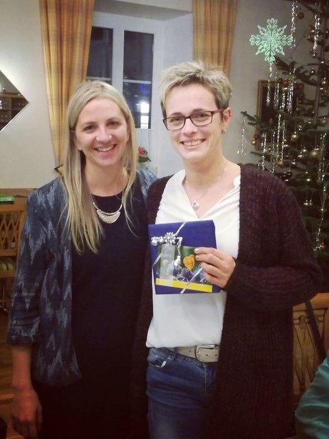 Caritas Tagesmutter Erika Lumetsberger (rechts im Bild) mit Regionalbetreuerin Mag. Marlene Maschek