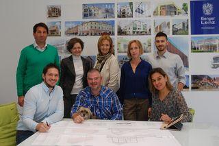 Norbert Berger und Wolfhard Lenz mit FiW Martina Polndorfer , WB Nina Ollinger und dem Team.