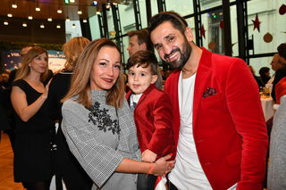 Thaiboxer Fadi Merza mit Frau Ines und seinem Sohn Michel.