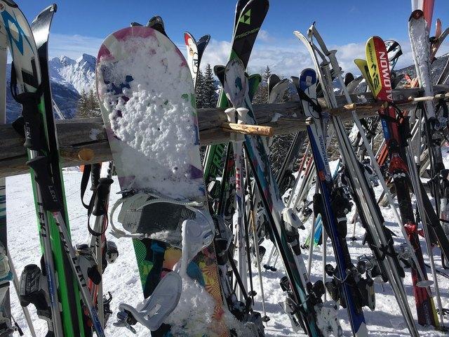 Die Arbeiterkammer Tirol testet Skiverleih und Skiservice - Es gibt große Unterschiede in Preis und Leistung