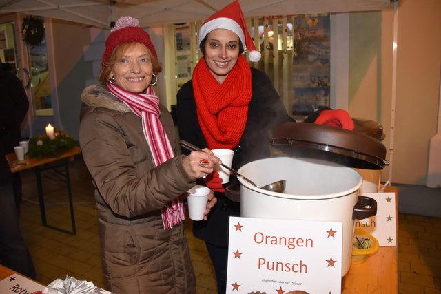 Punsch gegen Spende: Das Geld kam einer schwer getroffenen Familie im Bezirk Güssing zugute.