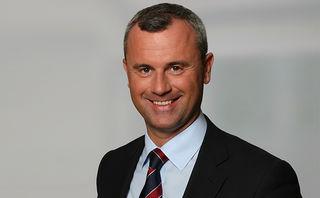 Norbert Hofer (FPÖ) wird Verkehrsminister.