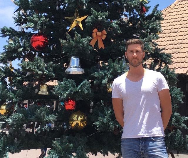 Auf Haube und Mantel kann Philipp Hold verzichten – nicht verzichten muss der Fehringer auf einen Weihnachtsbaum.