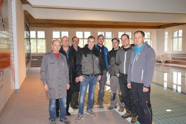 Vizebürgermeister Manfred Hofbauer (2.v.li.) freut sich über die gelungene Sanierung.