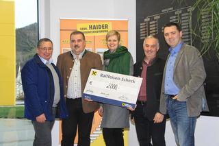 Helmut Haider, Klaus Haider, Christiane Kronsteiner, Bürgermeister Leopold Bürscher und Jürgen Haider (v. l.).