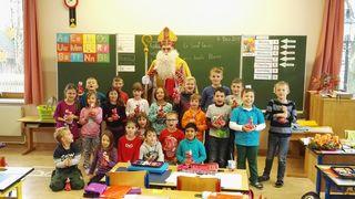 Der Nikolaus suchte sich die artigsten Kinder aus