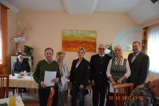 Rupert Finster, Christa Gödfried, Bez.Obm-Stv. Josefine Zöhrer, Obmann Robert Schubert, Karoline Müller und Vzbgm Reinhold Elsnig.