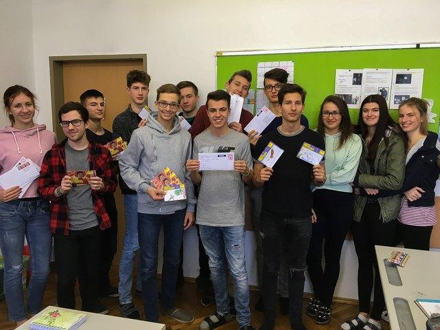 Schüler des BG/BRG/BORG Oberschützen nahmen an der weltweiten Aktion von Amnesty International teil.