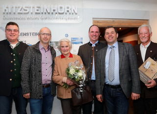 Hans Jäger (Obmann VSF Kaprun) , Michael Fazokas , Hanna Fazokas , Norbert Karlsböck (Gletscherbahnen Vorstand) , Bgm. Manfred Gaßner , Bernhard Gritsch (VSF Finanzreferent).